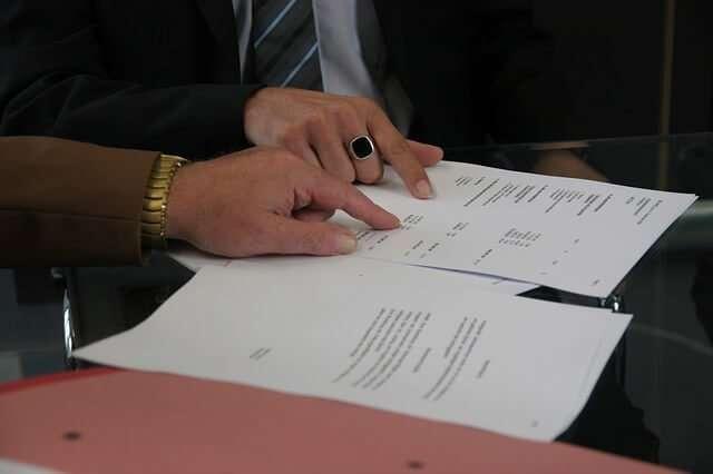 contract photo