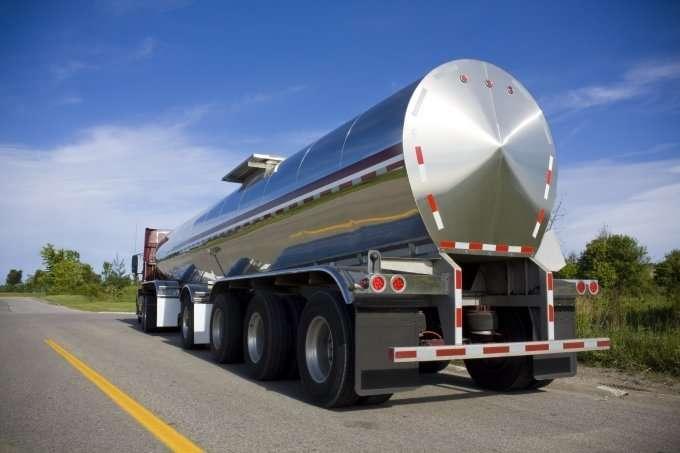 18 wheeler tanker
