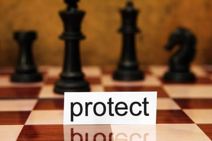 Protect on chess board